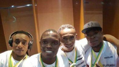 Photo of 4 joueurs Imaniens décorés par Joseph Kabila